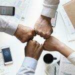 Parantaako konttoreihin paluu yhteisöllisyyttä?